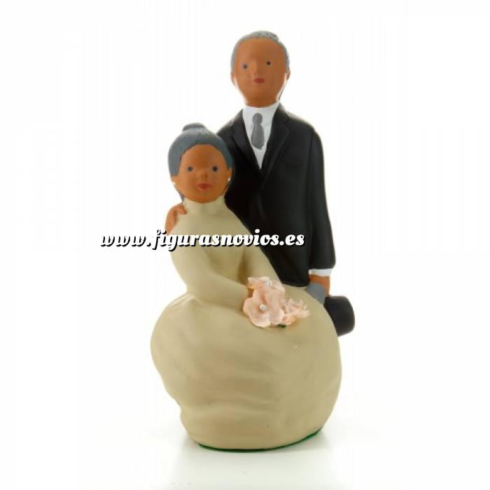 Imagen Novios tarta Clásicos - Novios tarta Posando - Bodas de Oro